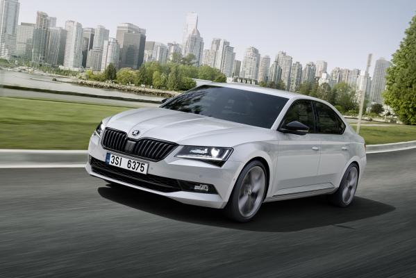 Škoda přiveze do Frankfurtu Superb Sportline. RS to nebude