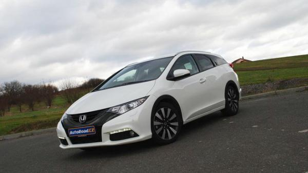 TEST: Honda Civic Tourer 1.8 i-VTEC Executive ADAS 1