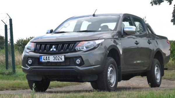 TEST: Mitsubishi L200 2.4 DI-D MiVEC Double Cab: Pracant do nepohody