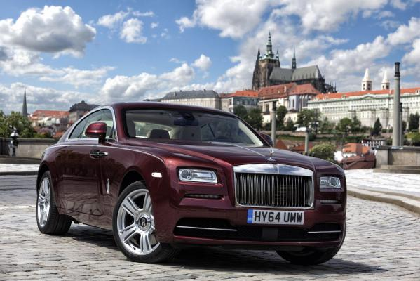 Rolls-Royce otvoril showroom v Prahe