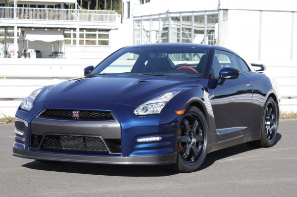Nissan by rád postavil elektrické GT-R