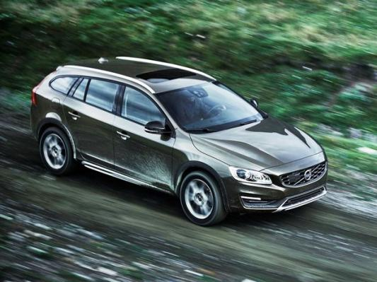 Volvo V60 Cross Country: Švédsky 'allroad' mieri do Los Angeles