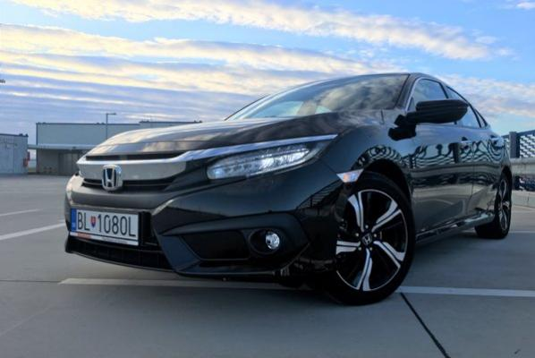 Honda Civic prichádza so zástupom asistentov (test)