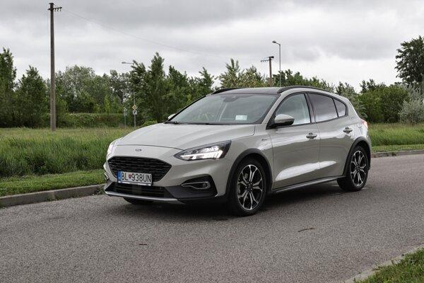Ford Focus Active sa nezľakne lesa ani retardérov (test)